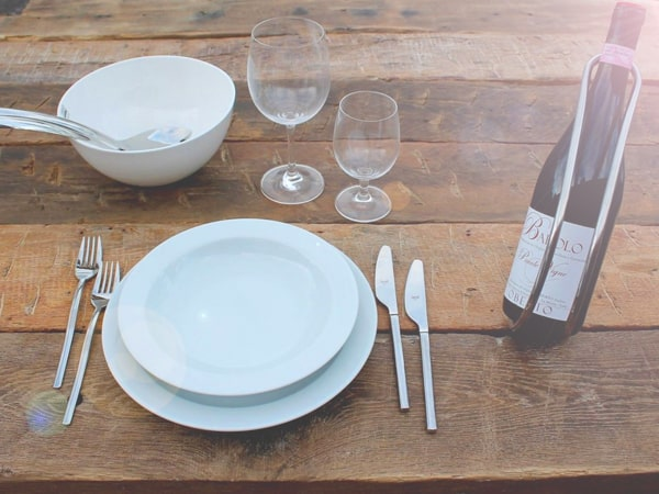 Tische aus Altholzbalken